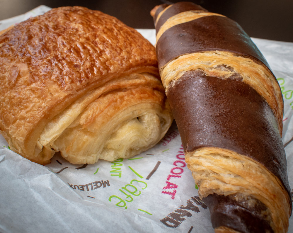 uprooted-traveler-paris-croissant-laelo-vegan-guide-france-pain-au-chocolat.jpg