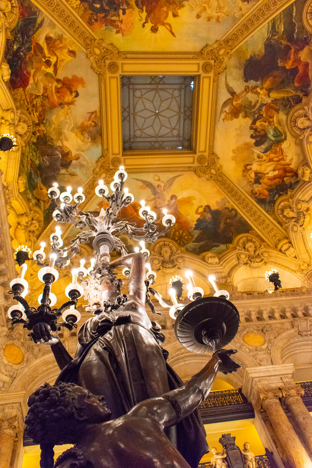 uprooted-traveler-palais-garnier-france-opera-paris-vegan-guide-candlebra.jpg
