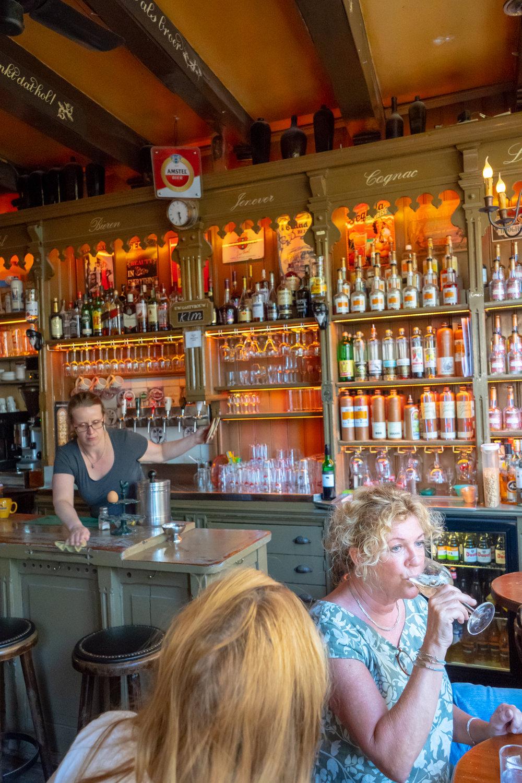 Uprooted-Traveler-Amsterdam-PROEFLOKAAL-DE-OOIEVAAR-bar-jenever-vegan-guide.jpg