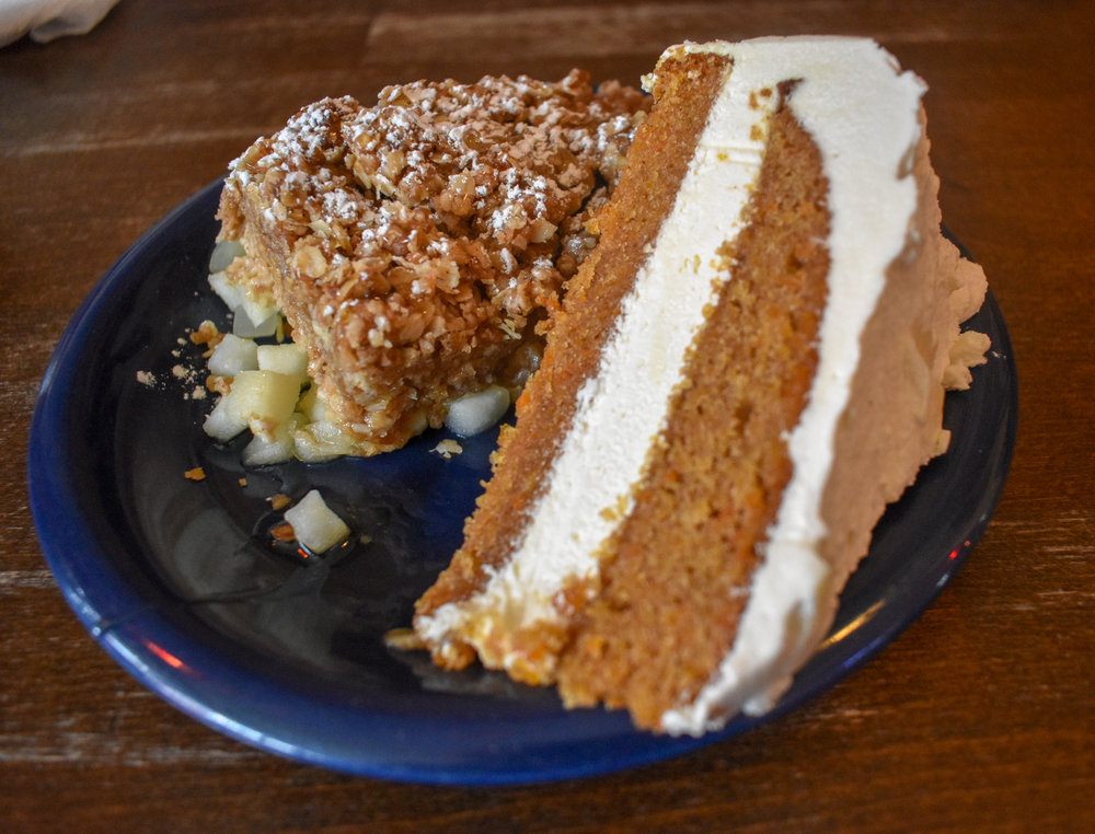 uprooted-traveler-iceland-cafe-babalu-carrot-cake-apple-bake-vegan.jpg
