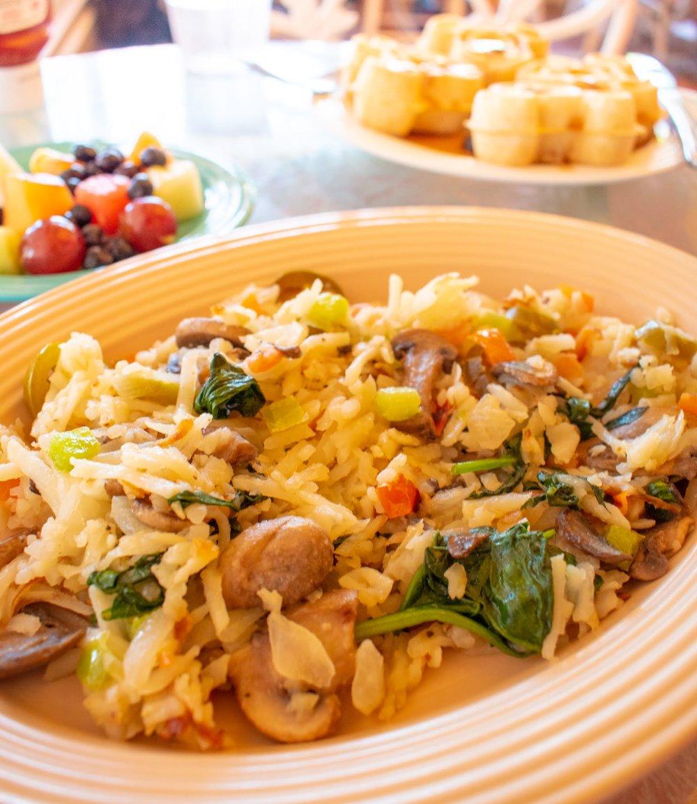 Uprooted-Traveler-Vegan-Disney-Land-plaza-inn-veggie-hash-omelet.jpg