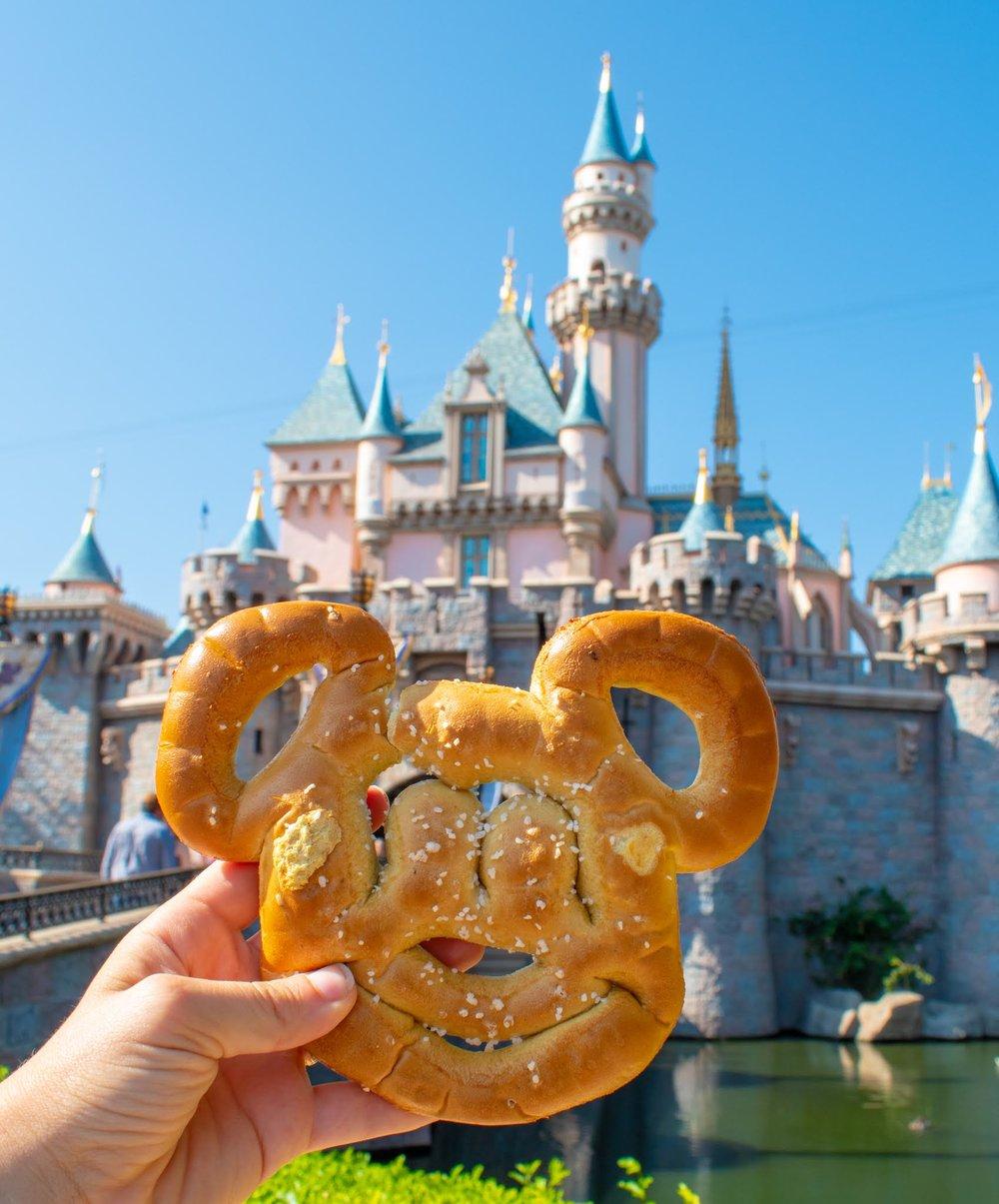 Uprooted-Traveler-Vegan-Disney-Land-mickey-soft-pretzel-vegan.jpg
