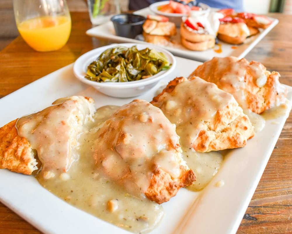 Uprooted-Traveler-Vegan-on-Fremont-Street-Las-Vegas-downtown-vegenation-biscuits-gravy.jpg