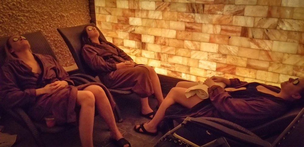 Uprooted-Traveler-How-To-Plan-a-Vegas-Bachelorette-Party-salt-cave-spa-at-the-linq.jpg