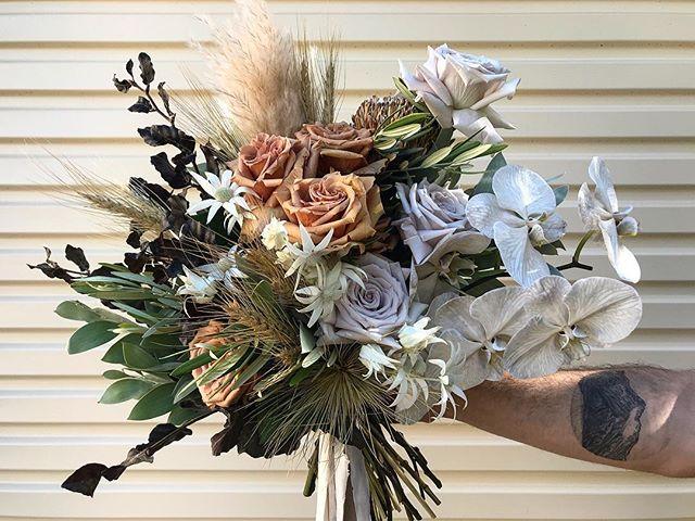 Brit ✨✨✨ . . . . . . #prophire #styling #floraldesign #floristry #flowers #events #parties #engagements #weddings #sydney #lunarandfox
