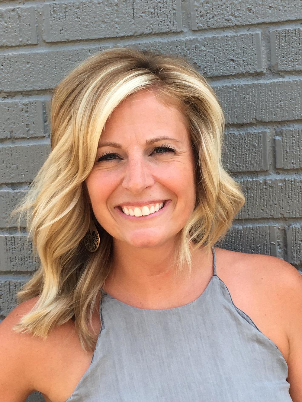 Amy Rosegold Stylist Hair Salon Service Provider
