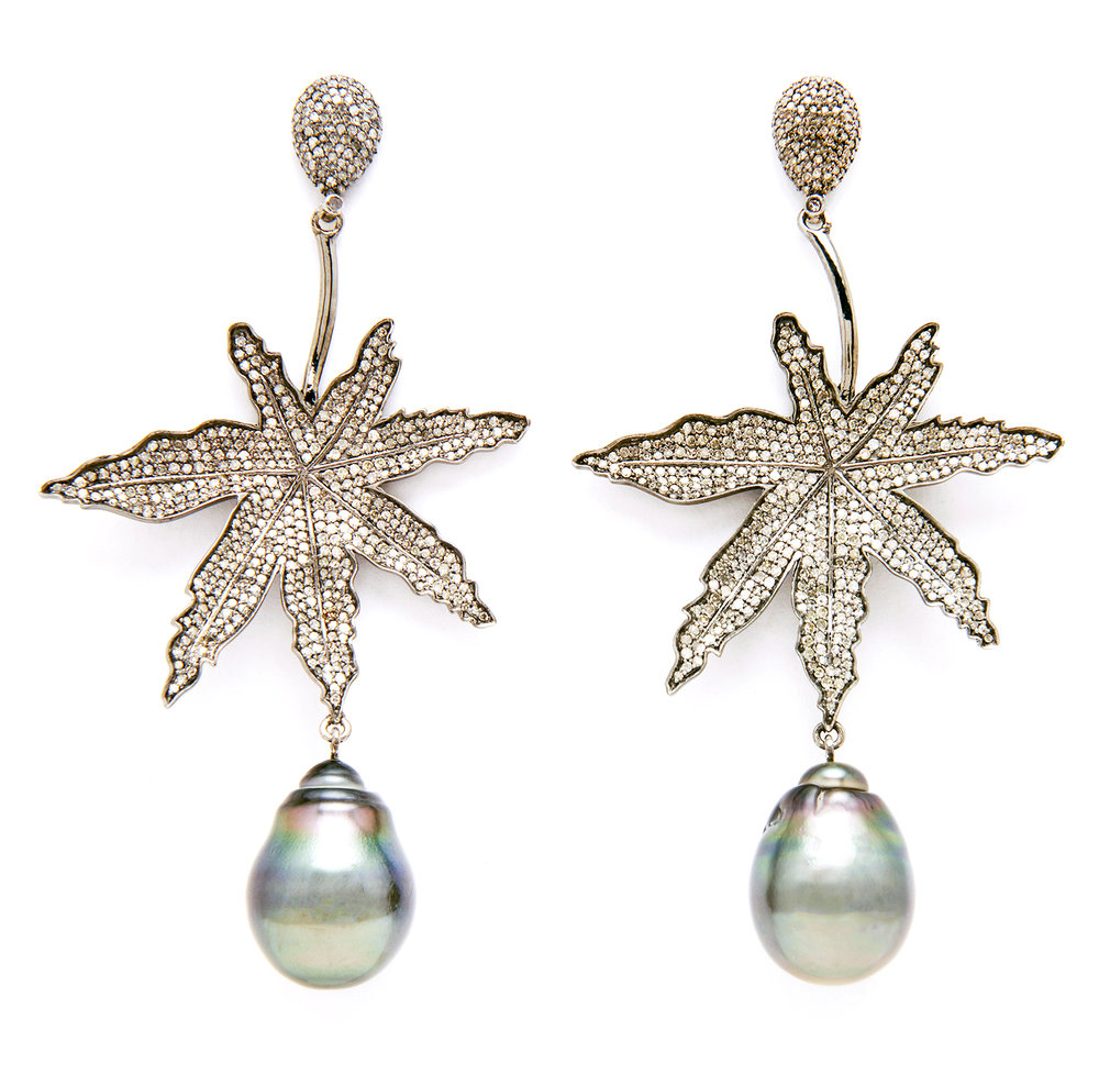 Cannabis Pearl Earrings_Tahitian Pearl_5522_5x5.jpg