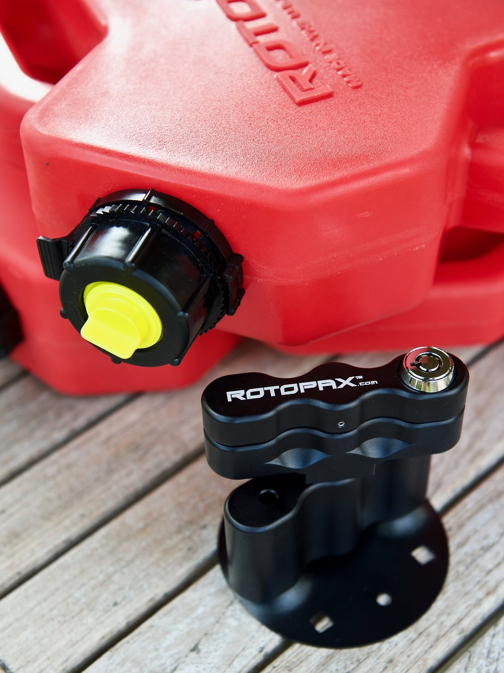 RotoPax 2 Gal. fuel pack and Lox mount.