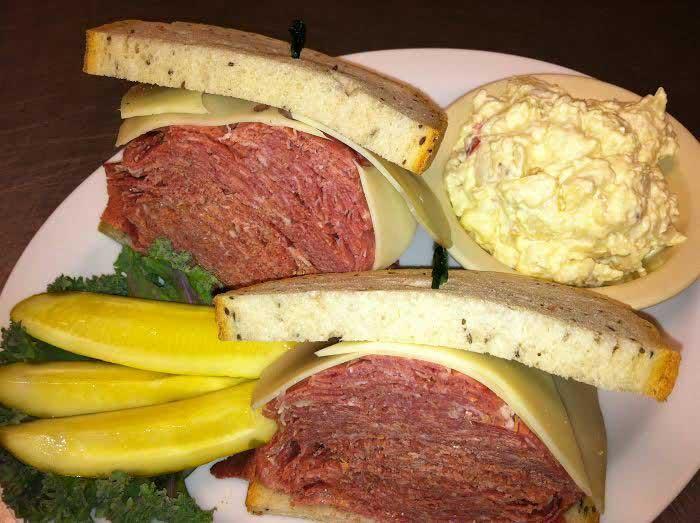 corned_beef_sandwich.jpg