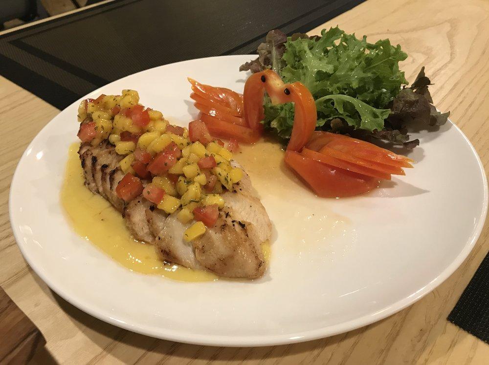 DIVA Mango's signature dish: Chicken with mango sauce