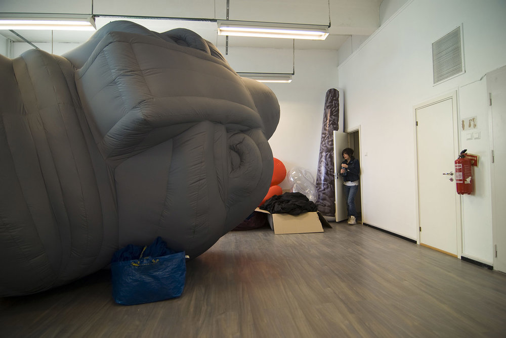 giant-bowl-inflatable-sculpture-59.jpg