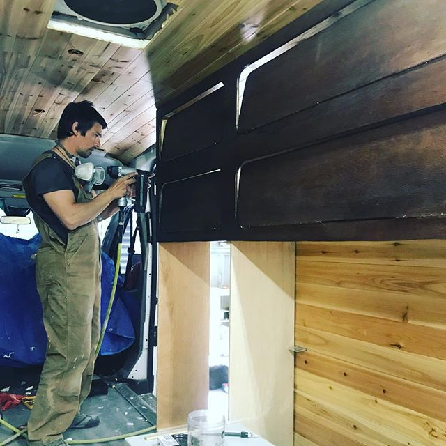 The man behind the vans! Pata has had a busy spring working! Be sure to check out our new website, link in profile 👍  #vanlife #vanconversion #vanliving #furgo #woodworking