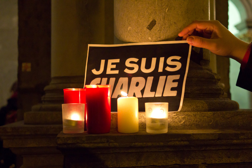 Rally in front of the old Cologne town hall in support of the victims of the 2015 Charlie Hebdo shooting. Picture by: Wikimedia/Elya