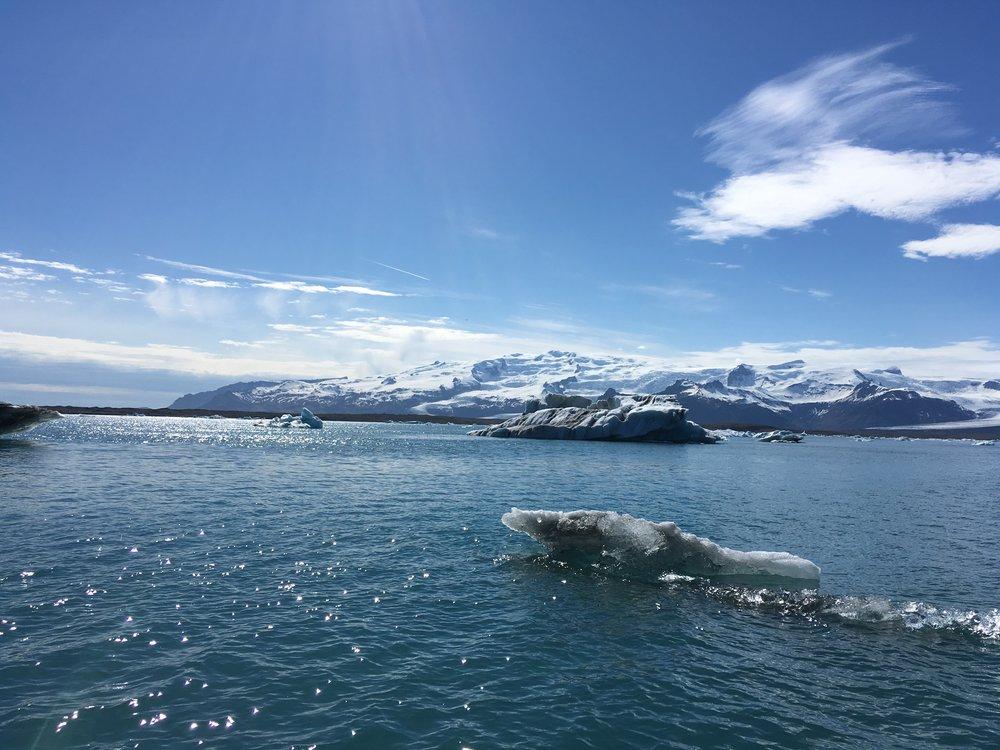 010_Gletscherlagune Jökülsarlon, soll auch sehr fischreich sein, ist aber Nationalpark und angeln verboten.JPG