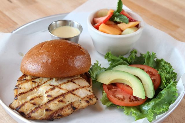 5 words, 34 letters, say it and I'm yours: Honey Mustard Avocado Chicken Sandwich #honeymustard #lunch