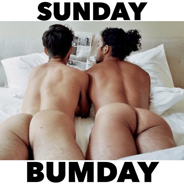 It's a perfect day to get bummy with your chum 🍑 photo credit: @mathmagazine & @laurendickerhoof #sundaybumday #bootybootybooty #thekinkkit