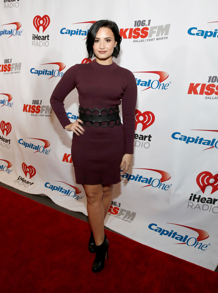 Demi Lovato wears nightshade