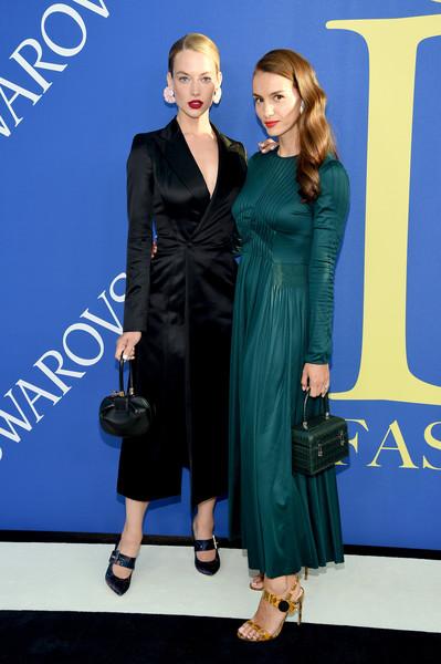 Hannah Ferguson wears 'Cate'