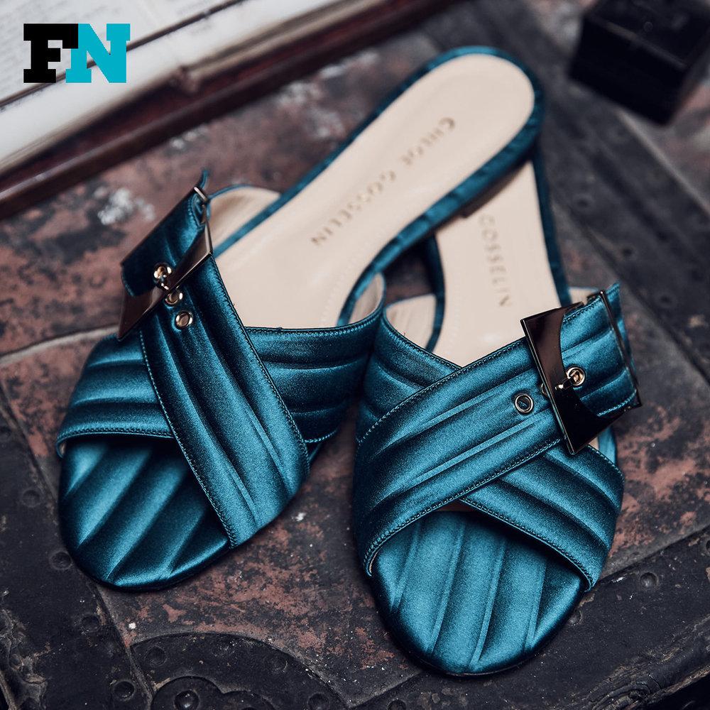 chloe_shoes2[1].jpg