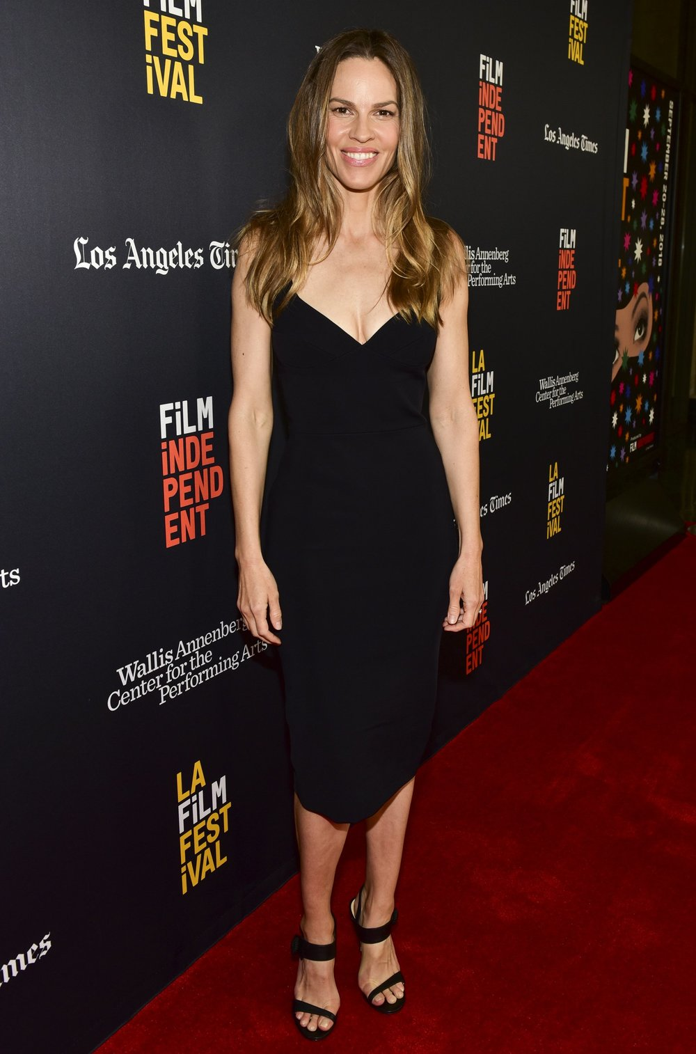 Hilary Swank wears 'Tori'