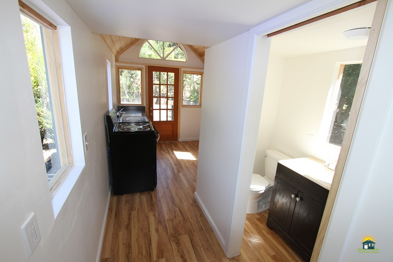 country-cabin-tiny-house-5.jpg