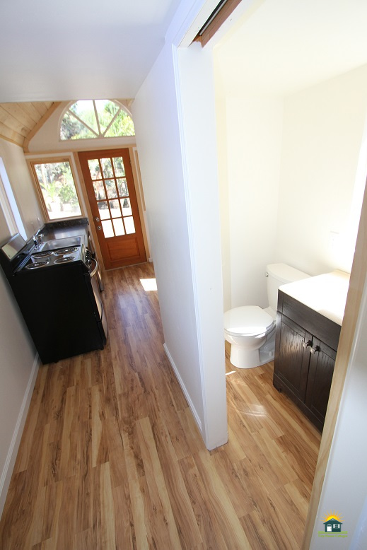 country-cabin-tiny-house-12.jpg