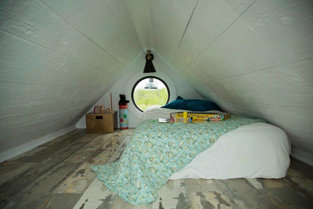 8' kid's room