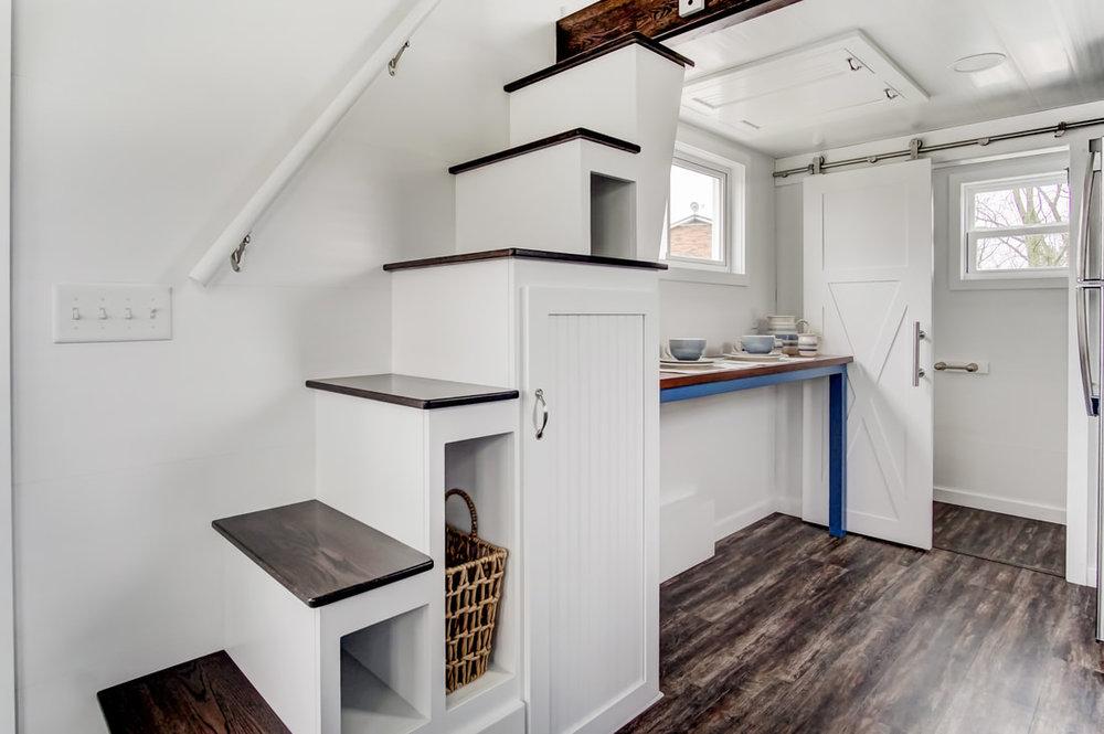 lodge-modern-tiny-living-9.jpg