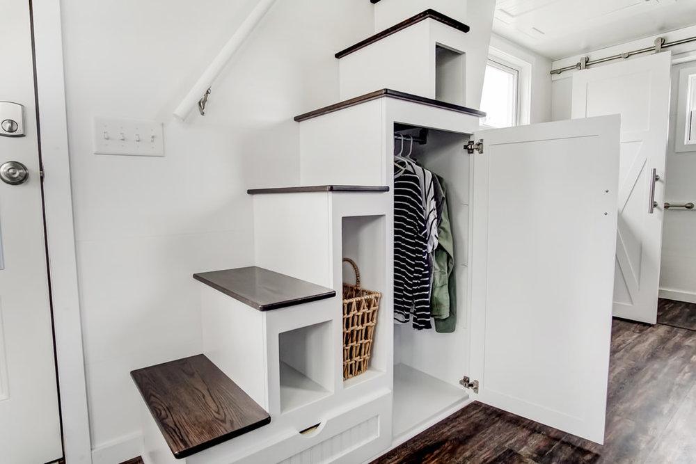 lodge-modern-tiny-living-12.jpg