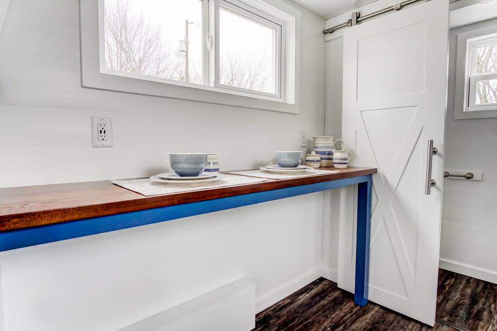 lodge-modern-tiny-living-13.jpg