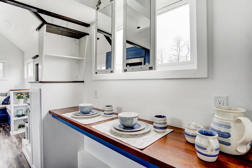 lodge-modern-tiny-living-16.jpg