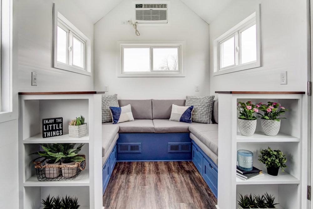 lodge-modern-tiny-living-23.jpg