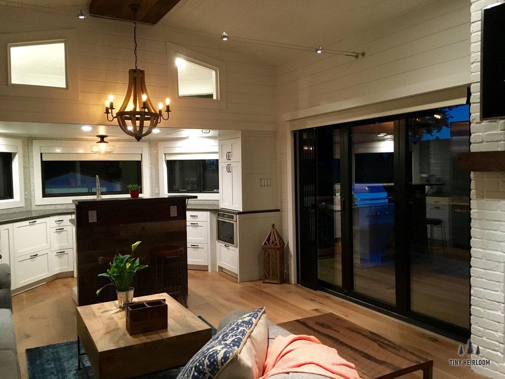 hawaii-home-tiny-house-3.jpg