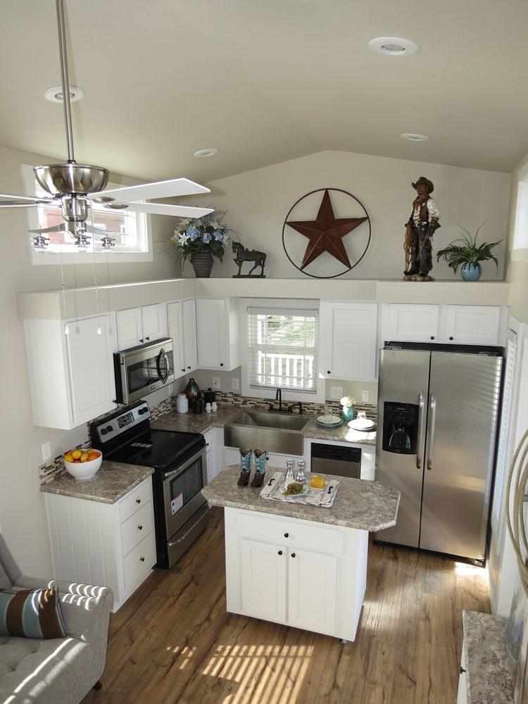 Meadowview Park Model Home 7.jpg