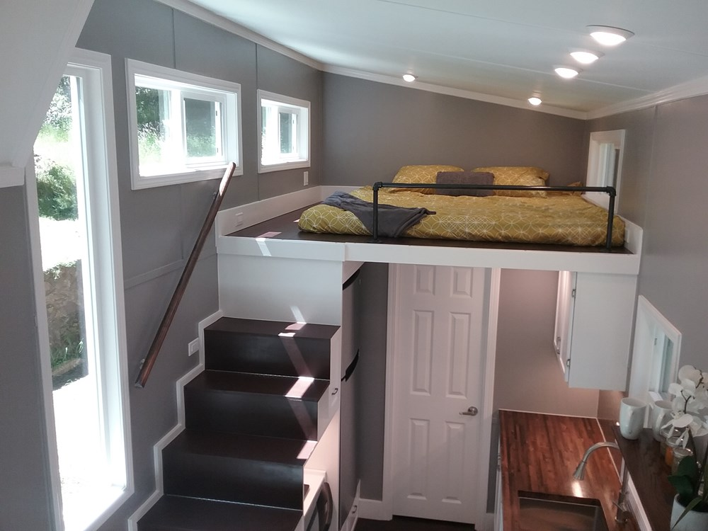 Handcrafted Modern Tiny Home 9.jpg