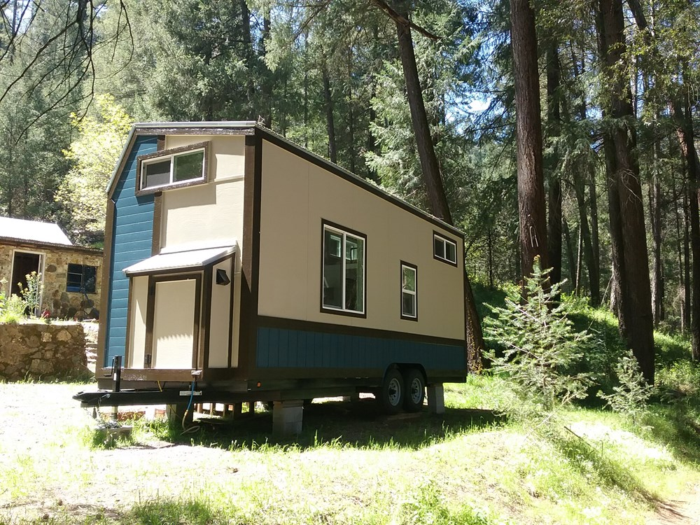 Handcrafted Modern Tiny Home 15.jpg