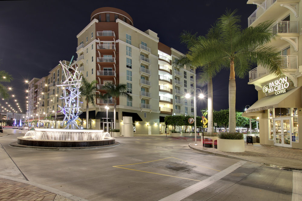 17__downtown_dadeland_Night_photo_by_SupremeScene.com.jpg