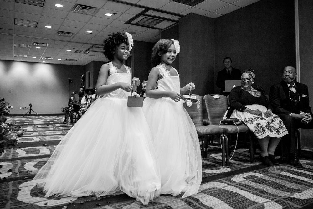 best-luxurious-high-end-wedding-photography-louisville-ky-fancy-boudoir-female-african-american-photographer-hyatt-regency