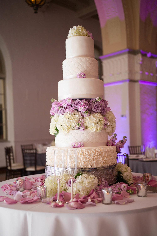 best-luxurious-high-end-wedding-photography-louisville-ky-fancy-boudoir-female-african-american-photographer-gramercy