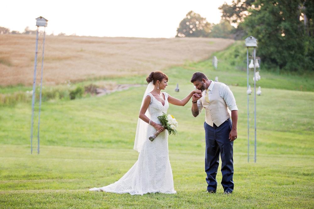 best-luxurious-high-end-wedding-photography-louisville-ky-fancy-boudoir-female-african-american-photographer-pollock-farms