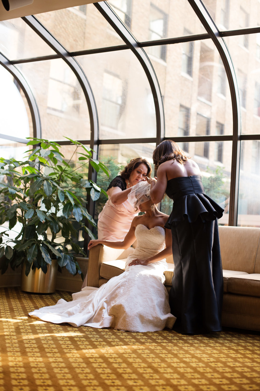 best-luxurious-high-end-wedding-photography-louisville-ky-fancy-boudoir-female-african-american-photographer-peabody-memphis