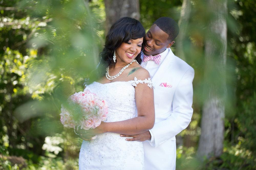 best-luxurious-high-end-wedding-photography-louisville-ky-fancy-boudoir-female-african-american-photographer-barn