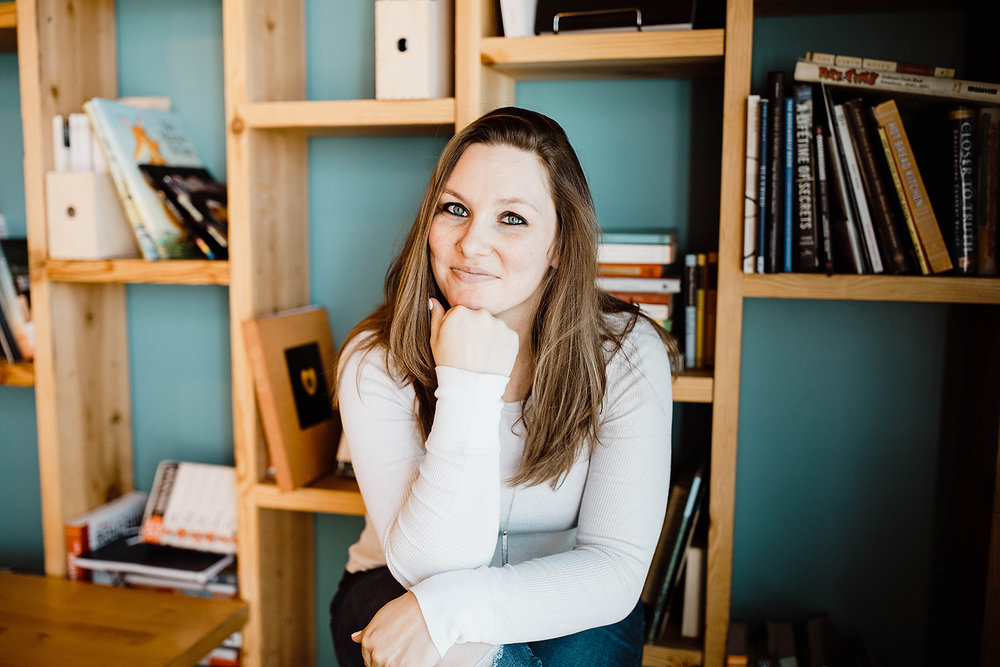 Hi, I'm Shauna. - I help startups scale with effective strategies, creative solutions, and unparalleled integrity.