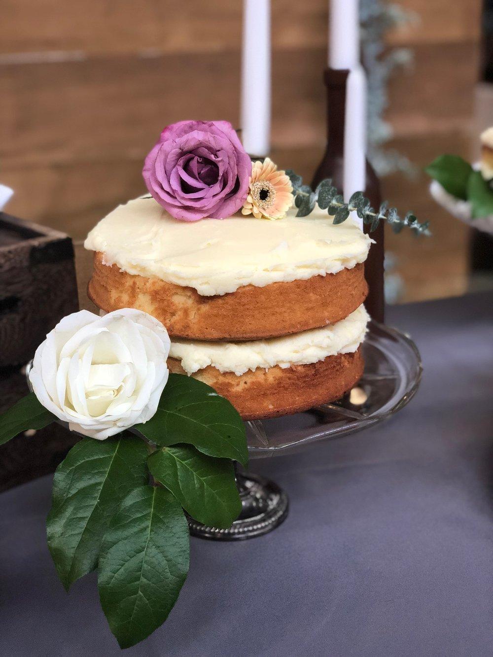 line & lee naked cake