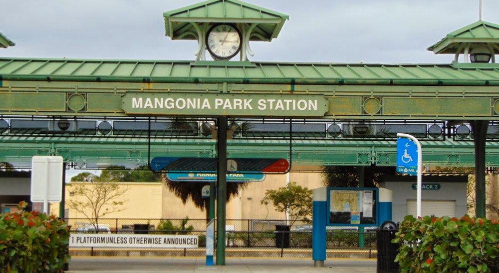 Tri Rail Mangonia.jpg