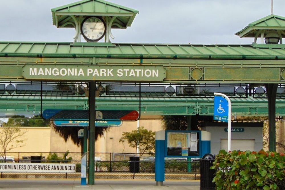 Tri Rail Mangonia Park Station