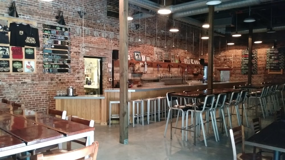 Aardwolf Taproom - Okay, I admit it. I've been on an Aardwolf kick lately. What can I say, the taproom is comfortable, and the beer is great. If you look below you can see a variety of beers, from a variety of cities. But, I think, from here on out I'd like to review as many Jax Beers as I can. Cans, bottles, tap, whatever it takes. Jax has some fantastic beer, and I want to bring the focus to our local brews just like the podcast does. Next time you're out look for local!