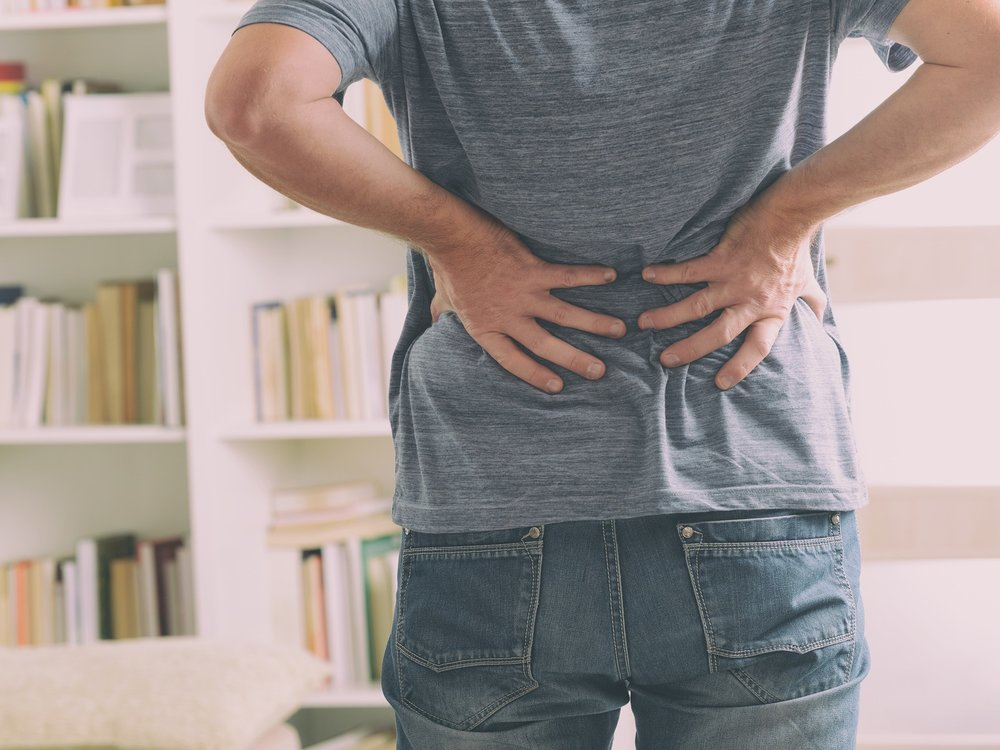 Man_with_back_pain