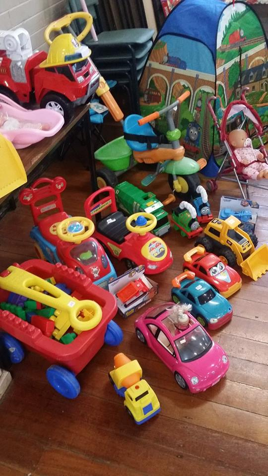 market_trucks_cars1.jpg