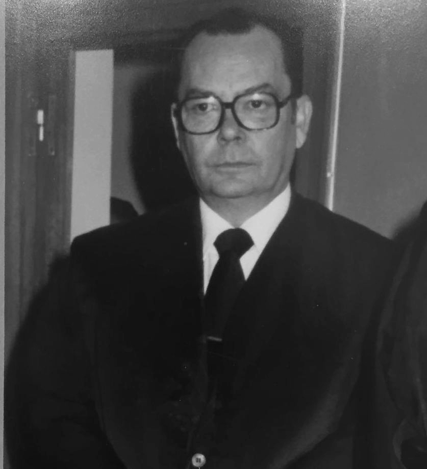 - Antonio Rivaya Riaño